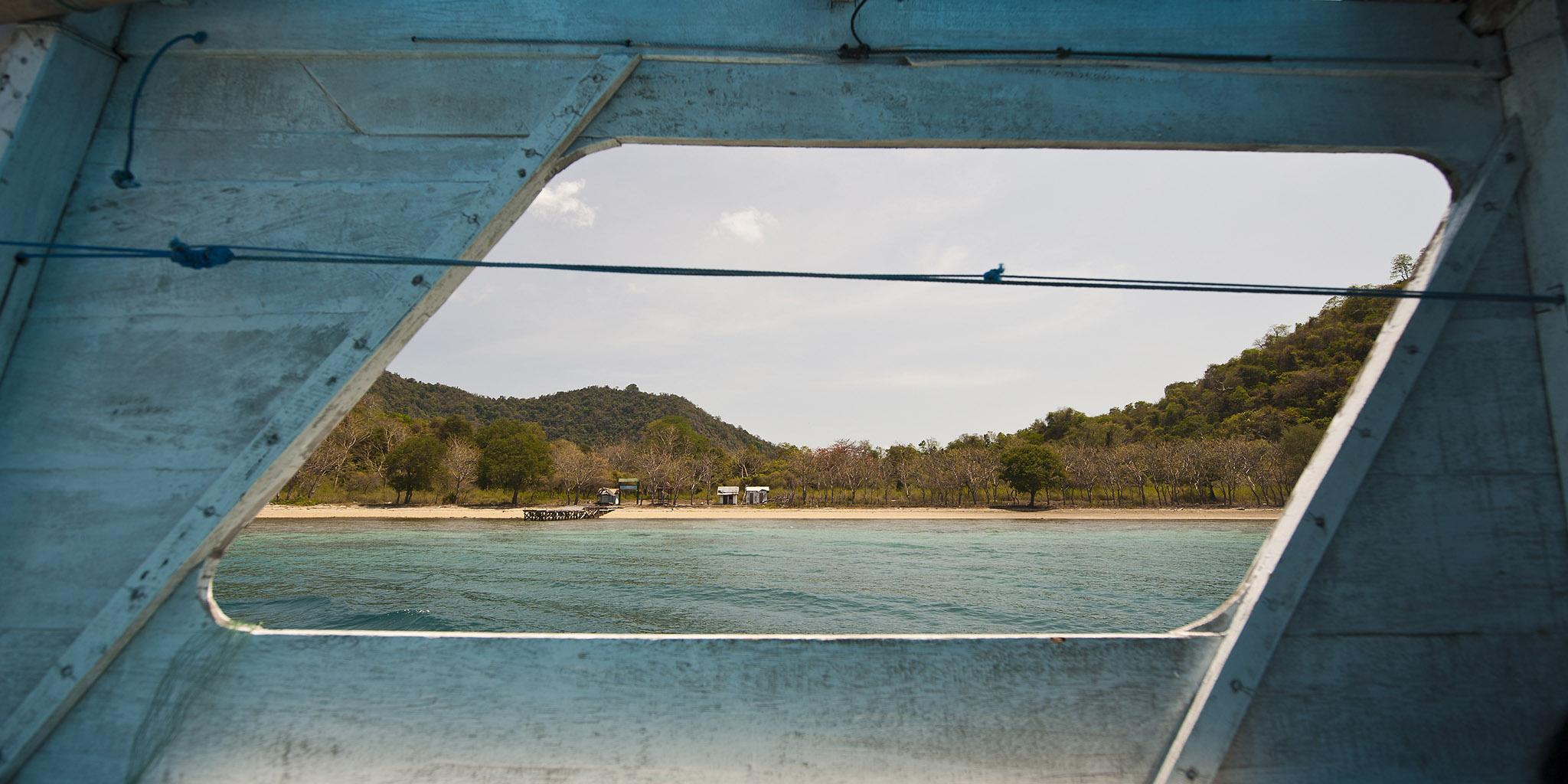 4-1 027 Boat Stream