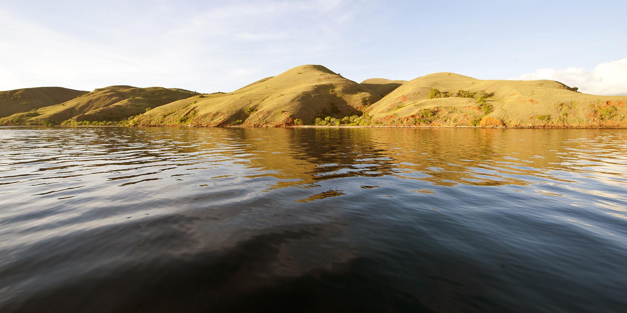 4-1 104 Boat Stream