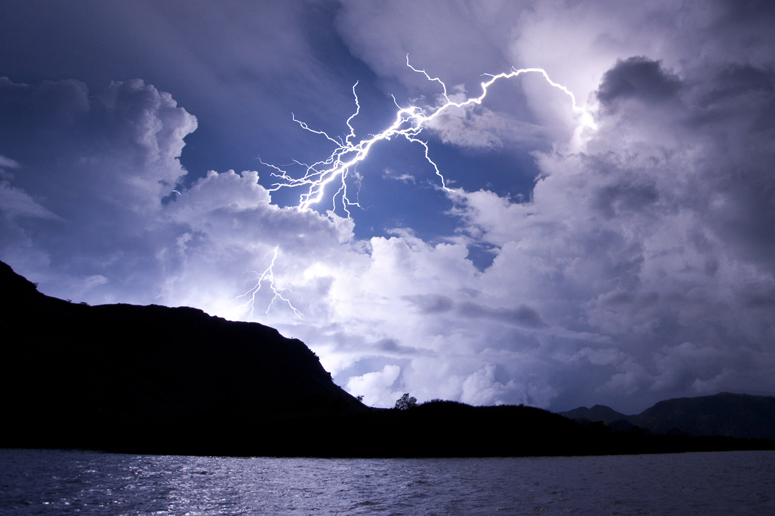4-3 001 Boat Storm