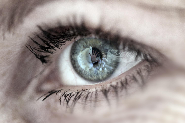 Eyes of Es 10