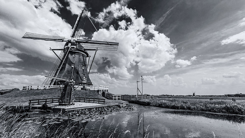 Dutch-Skies-Black-03