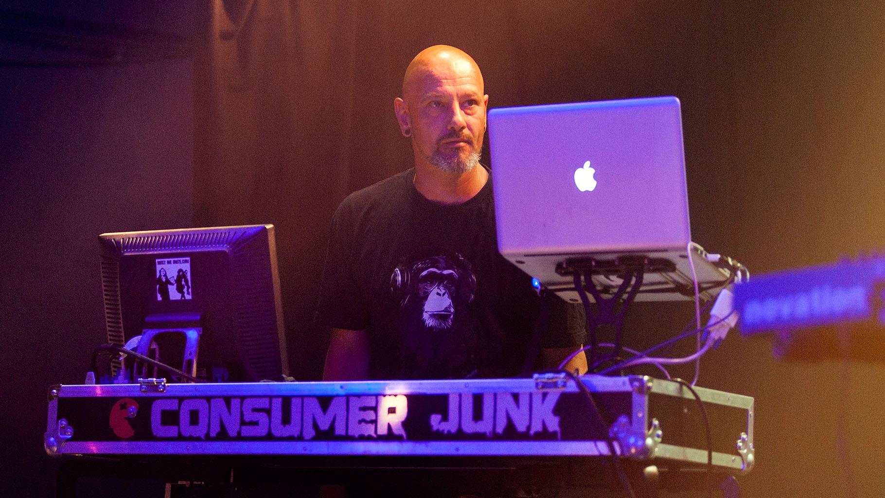 Consumer Junk 04