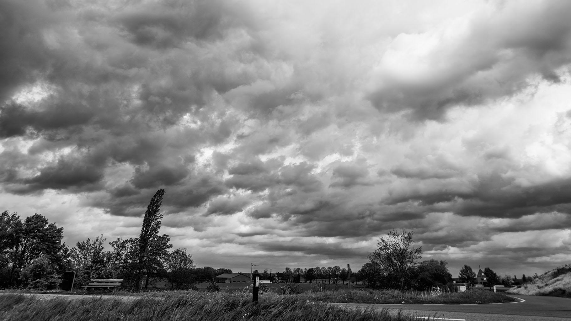 Storm 5-5-2015 black 08