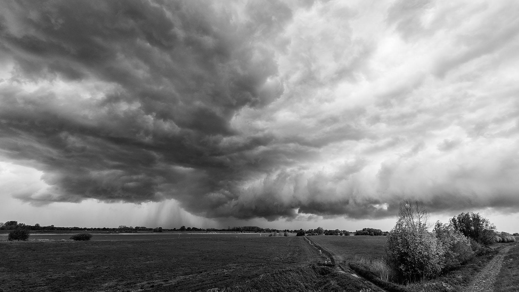 Storm 5-5-2015 black 09