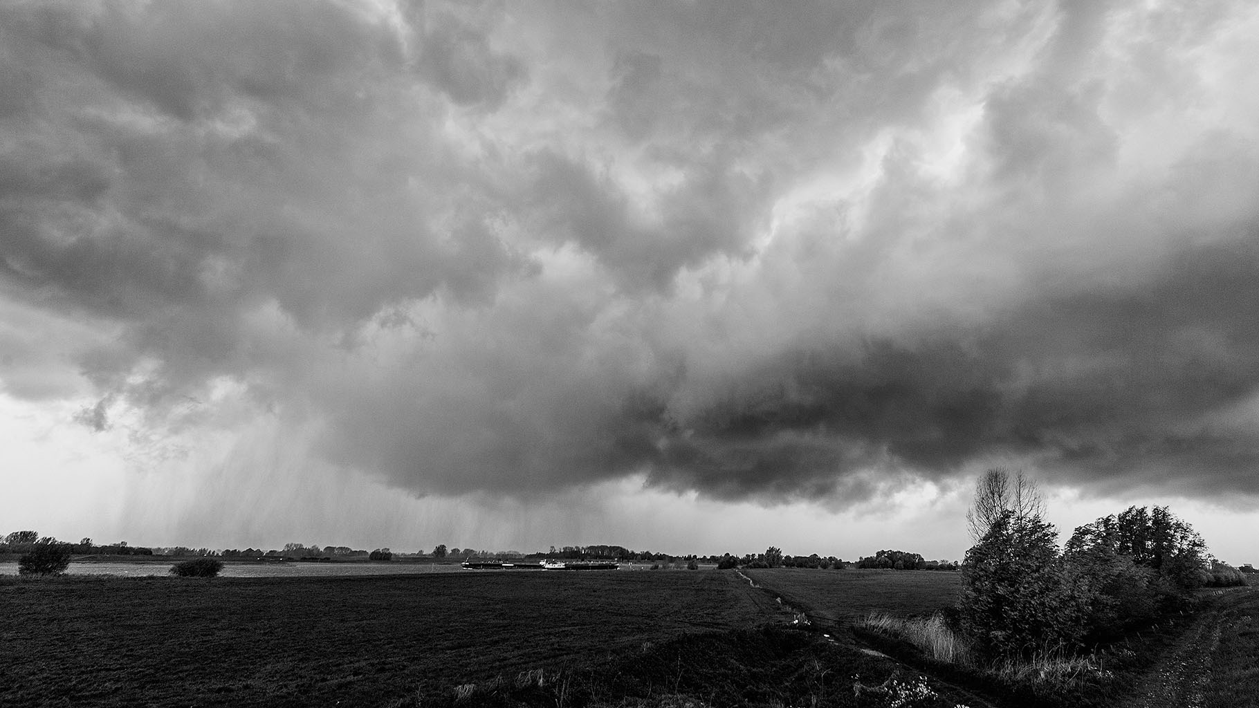 Storm 5-5-2015 black 10