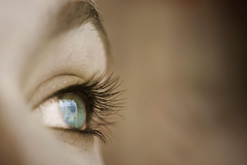 011-026-026-Eyes-of-Stephanie-06