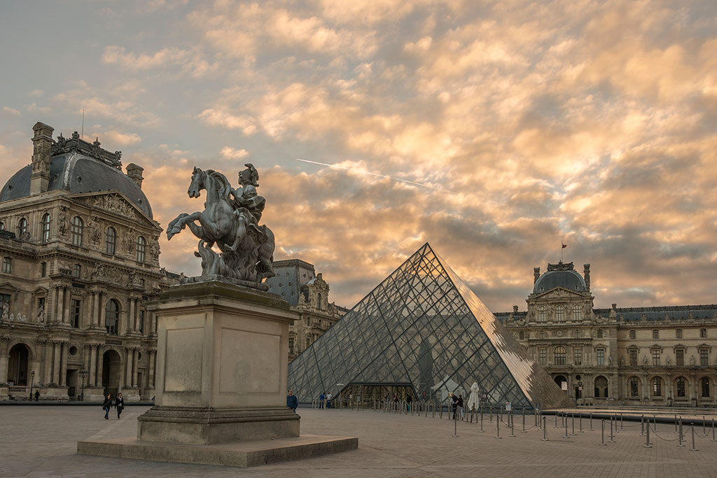 014-Paris-02-Louvre