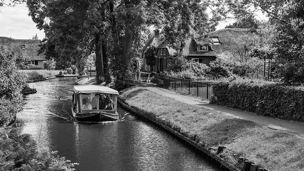 Giethoorn-juni15-black1-05