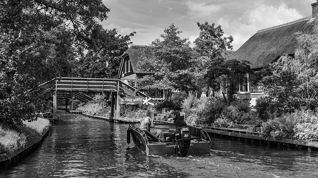 Giethoorn-juni15-black1-08