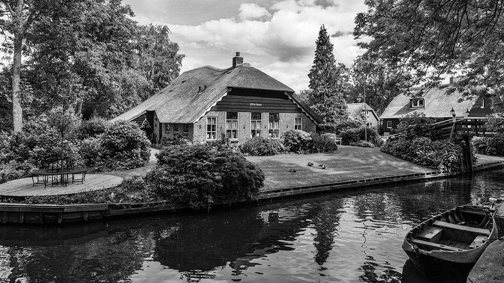 Giethoorn-juni15-black1-13