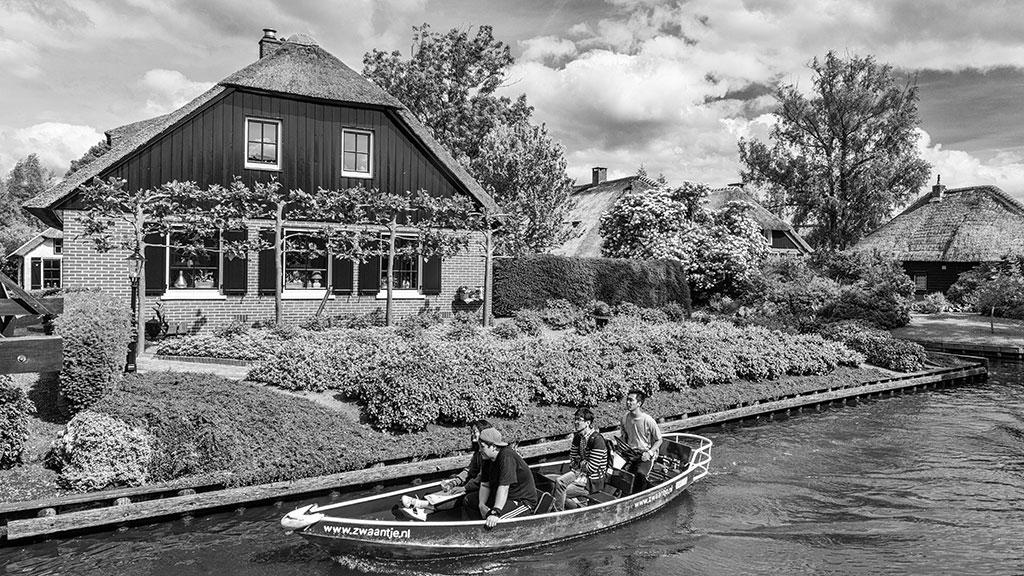 Giethoorn-juni15-black1-14