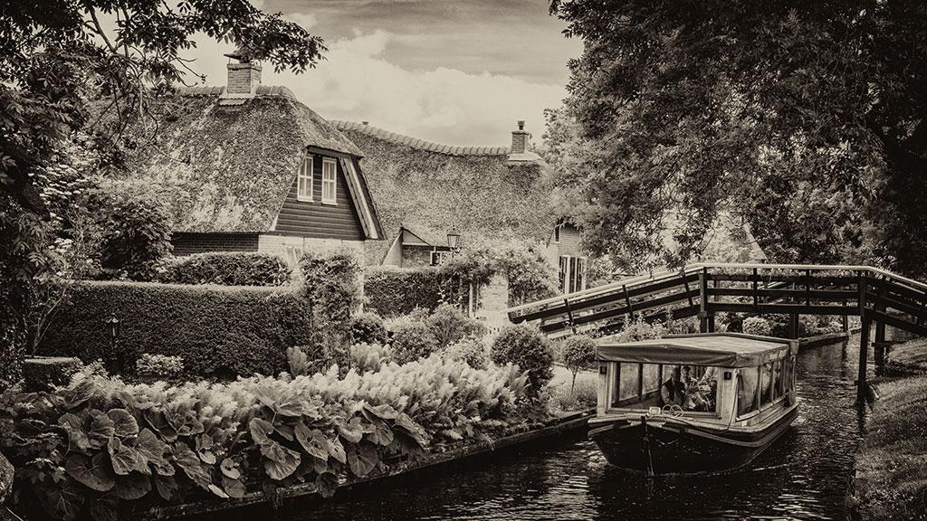 Giethoorn-juni15-black2-01
