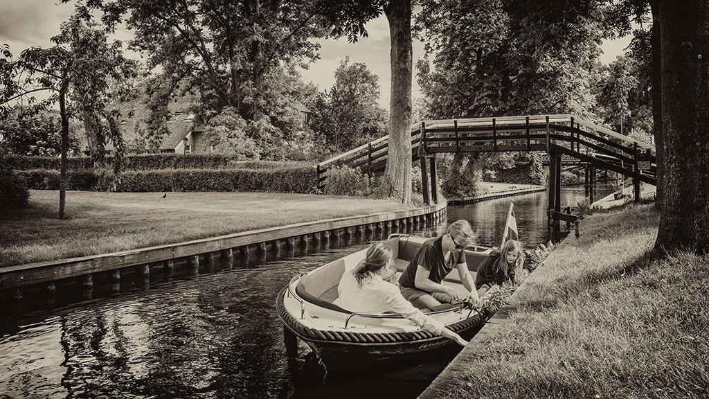 Giethoorn-juni15-black2-04