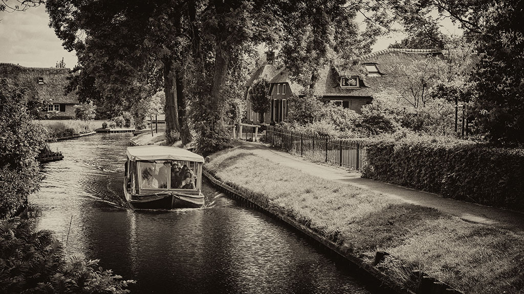 Giethoorn-juni15-black2-05