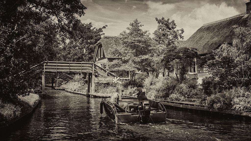Giethoorn-juni15-black2-08