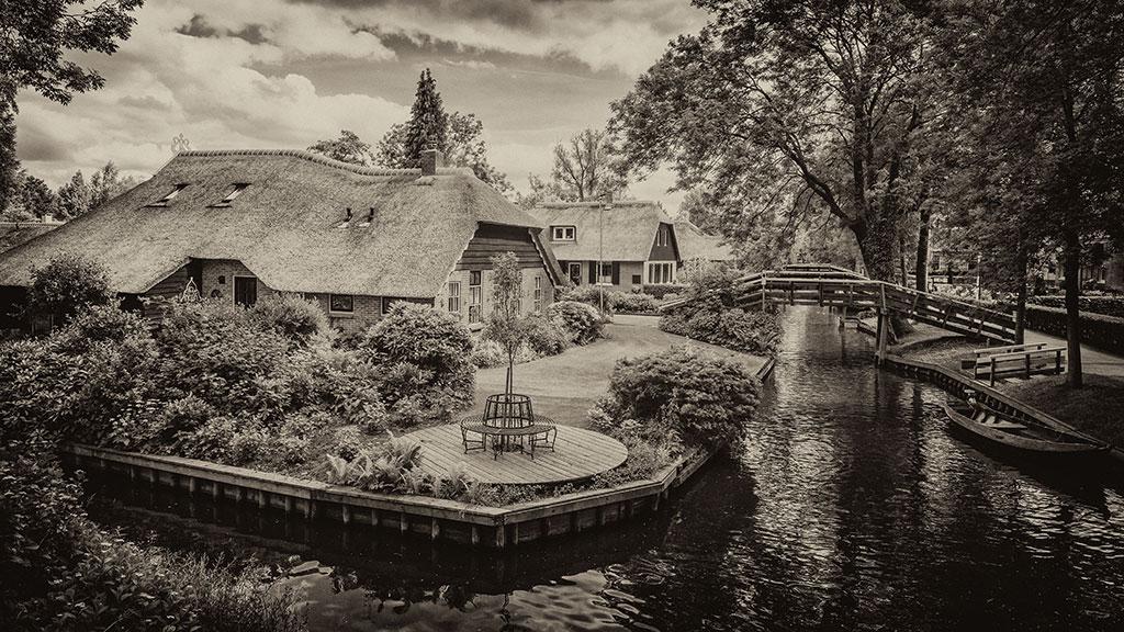 Giethoorn-juni15-black2-12