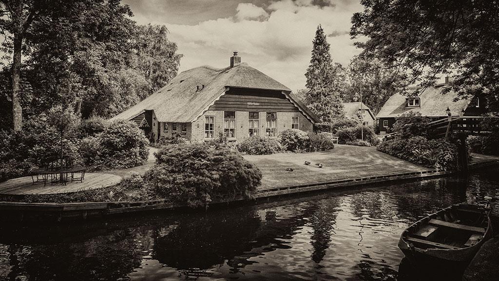 Giethoorn-juni15-black2-13