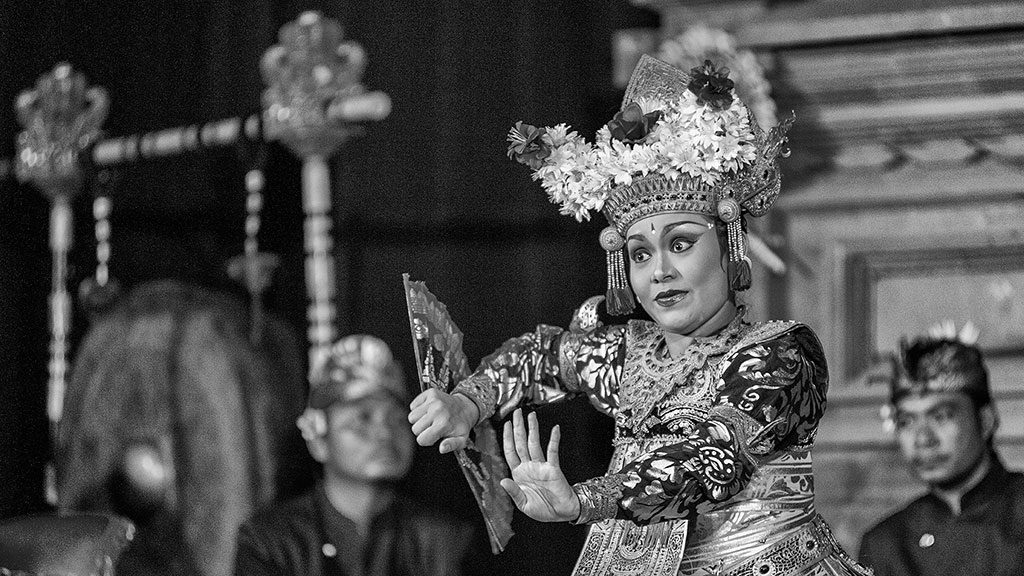 Indonesia-black-1-Bali-090