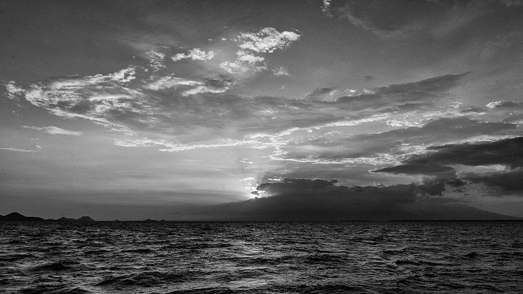 Indonesia-black-4-Boat-009