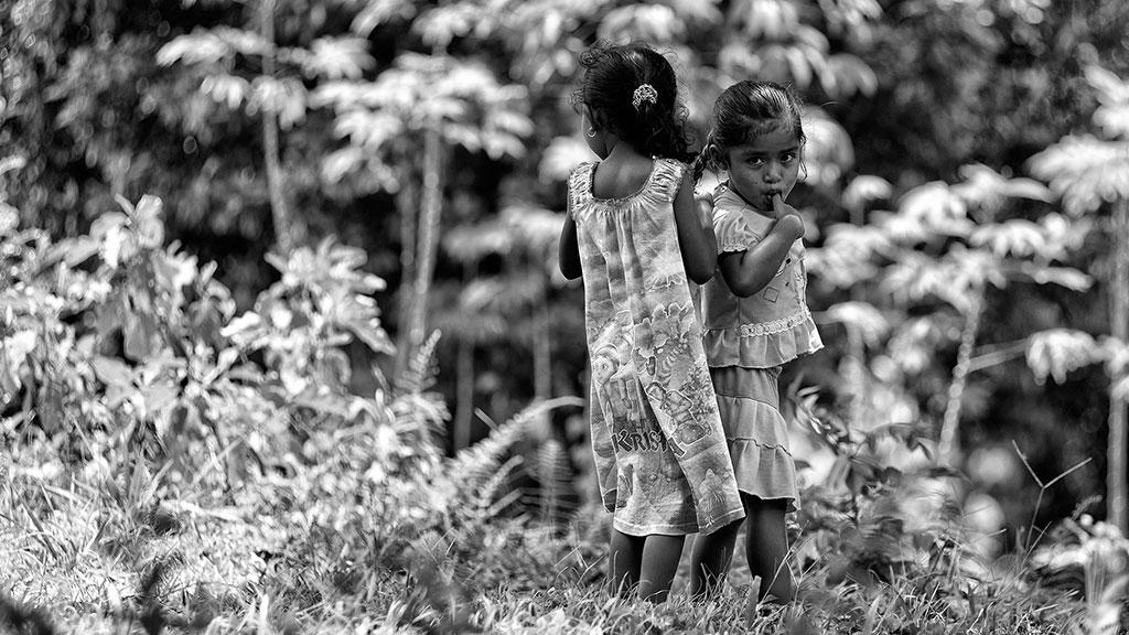 Indonesia-black-6-Flores-018