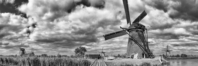 Kinderdijk panorama black
