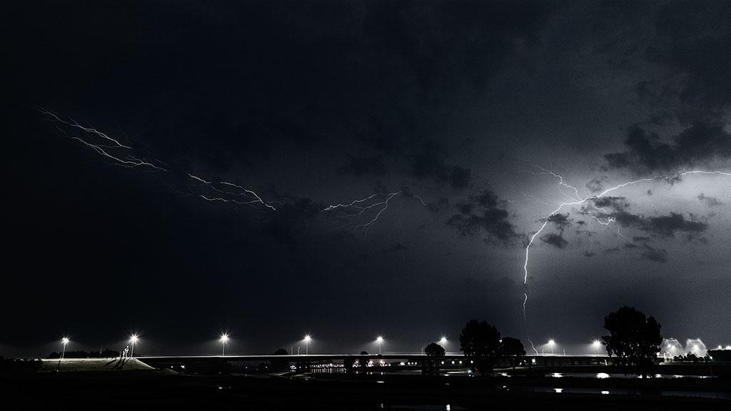 Storm-31aug15-black-02