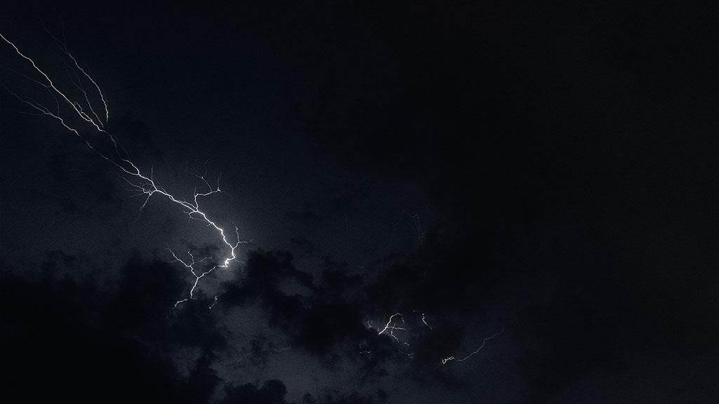 Storm-31aug15-black-04