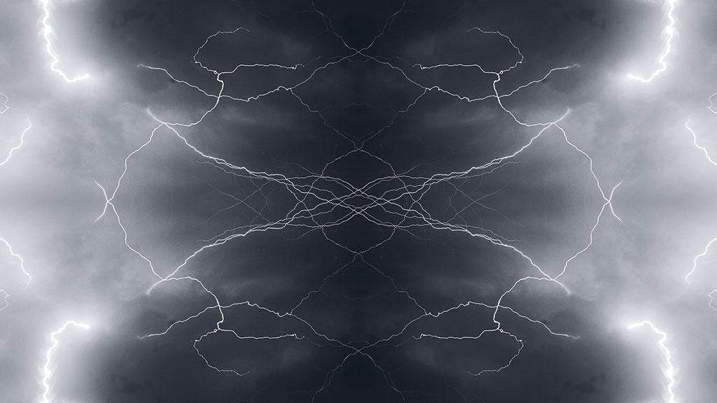 Storm-31aug15-black-08