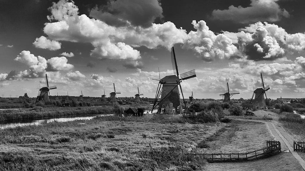 Kinderdijk-aug15black-17